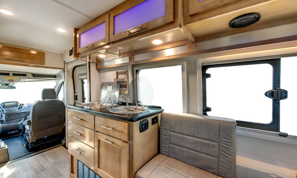 Tourer Apollo en Saturn Star RV
