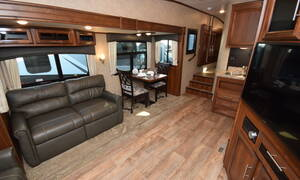 5th wheel 30 ft Traveland