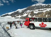 Ice Explorer op de Athabasca Glacier in West-Canada